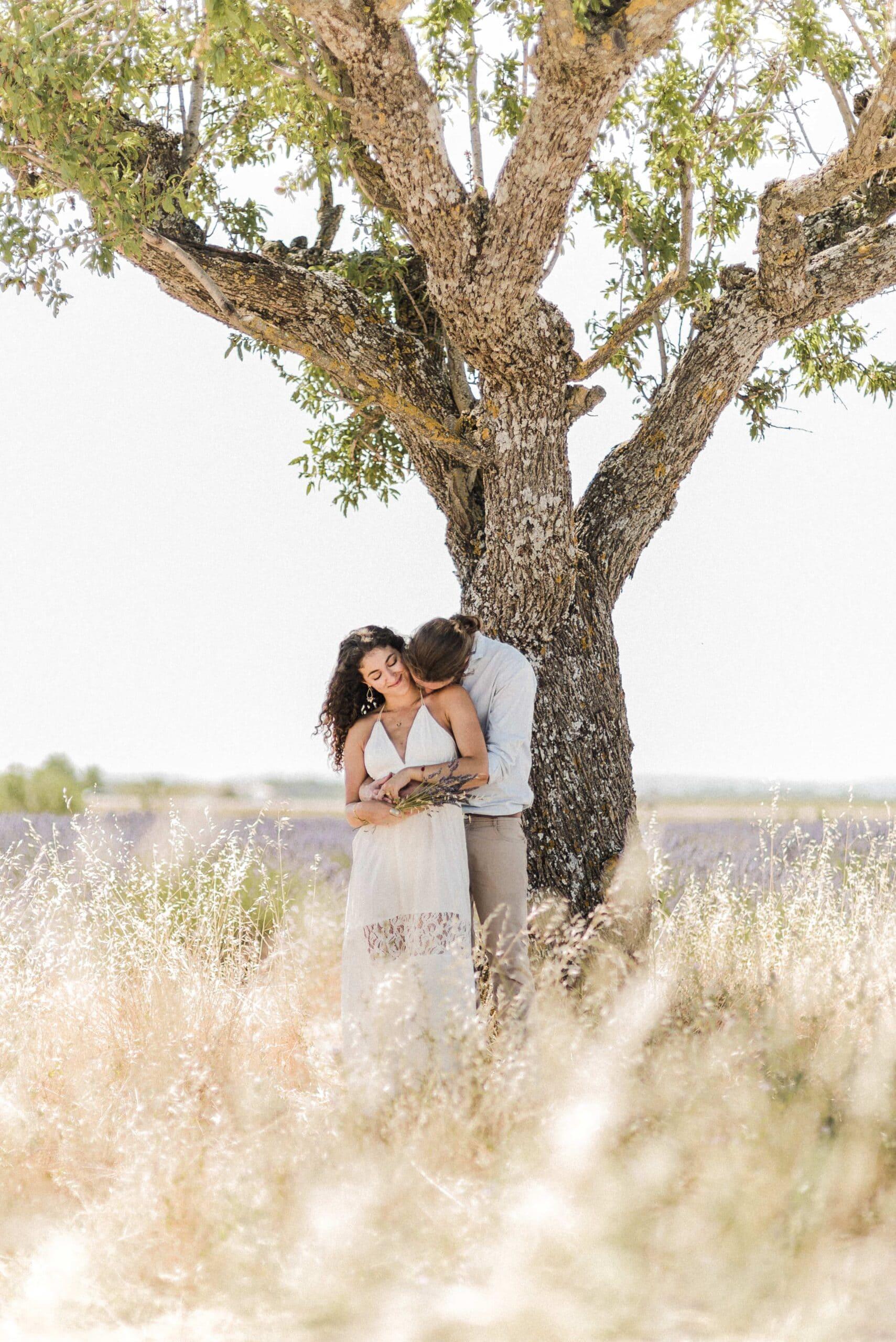 séance photo dans les lavandes - lavenderfield - séane complicité Mégane Schultz Photographe © -2052-nHD